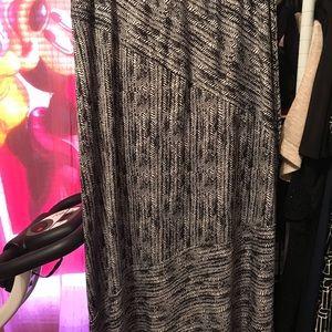 Dresses & Skirts - Kim Rogers pretty skirt sz Xl black and beige